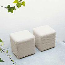 Pouf moderno / in tessuto / quadrato / da giardino