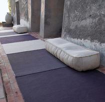 Ottomano moderno / in tessuto / in poliestere / quadrato