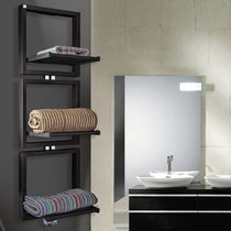 Radiatore scaldasalviette ad acqua calda / verticale / in acciaio / a parete
