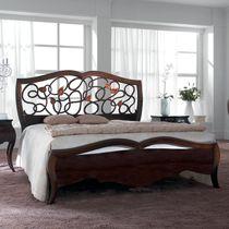 Letto standard / doppio / in stile / in legno