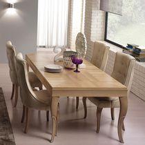Sedia classica / imbottita / in tessuto / in legno