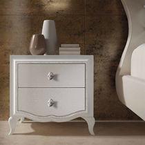 Comodino classico / in legno laccato / rettangolare