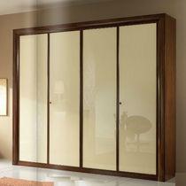 Armadio classico / in legno / in legno laccato brillante / a porte scorrevoli