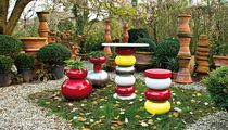Vaso da giardino in plastica / di Sottsass Associati