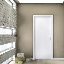Porta da interni / battente / in legno / acustica