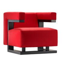 Poltrona design Bauhaus / in noce / in tessuto / in pelle
