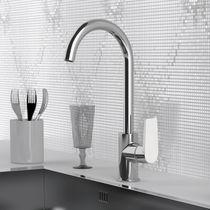 Miscelatore per lavabo / in metallo cromato / in ottone cromato / da cucina