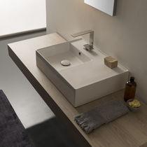 Lavabo da appoggio / rettangolare / moderno / con piano integrato