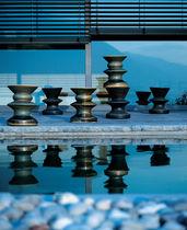 Tavolo d'appoggio moderno / in porcellana / rotondo / da giardino
