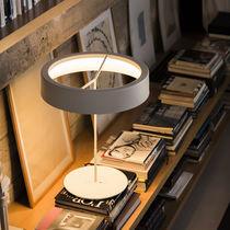 Lampada da tavolo / moderna / in metallo / in plastica