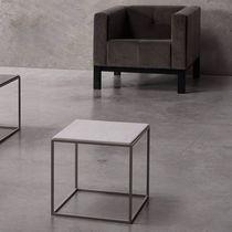 Tavolo d'appoggio moderno / in legno / in metallo / in pietra