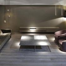 Tavolino basso moderno / in legno / in metallo / in pietra