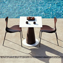 Tavolo da pranzo moderno / in HPL / in polietilene / rotondo