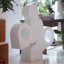Lampada da pavimento / design originale / in polietilene / da interno