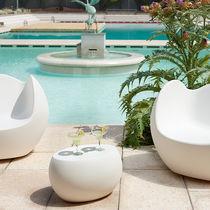 Tavolino basso moderno / in polietilene / ovale / da interno