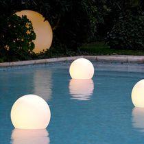 Lampada galleggiante / moderna / in polietilene / da giardino