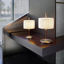 Lampada da tavolo / moderna / in cotone / in ferro