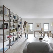 Libreria moderna / in legno massiccio / in MDF laccato