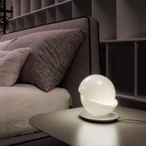 Lampada da tavolo / design originale / in vetro soffiato / in metallo