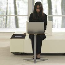 Scrivania portacomputer moderna / in legno / rotonda / quadrata