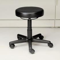 Sgabello da ufficio in pelle / con rotelle / altezza regolabile / imbottito