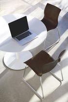 Sedia visitatore moderna / con braccioli / impilabile / con tavoletta