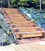 Scala in legno per giardino