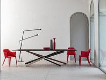 Tavolo da pranzo moderno / in legno / in vetro temprato / rettangolare