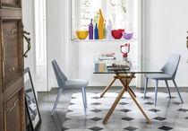 Tavolo moderno / in vetro / in quercia / in noce
