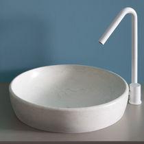 Lavabo da appoggio / rotondo / in marmo / moderno
