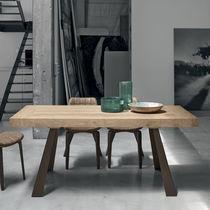 Tavolo moderno / in legno / in laminato / in metallo verniciato