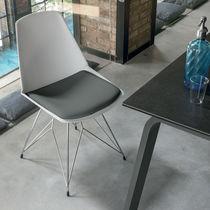 Sedia moderna / imbottita / in metallo verniciato / in polipropilene