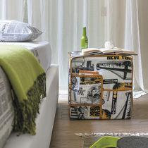 Pouf moderno / in tessuto / quadrato / con contenitore