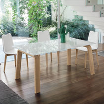 Tavolo da pranzo moderno / in MDF / in vetro temprato / in metallo verniciato