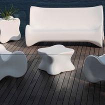 Tavolino basso design originale / in polietilene / da giardino / luminoso