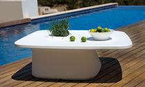 Tavolino basso moderno / in polietilene / da giardino / 100% riciclabile