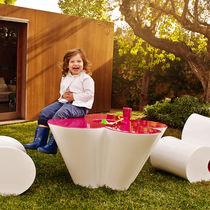 Tavolo design originale / in polietilene / da giardino / per bambini