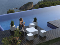 Tavolino basso moderno / in polietilene / quadrato / da giardino