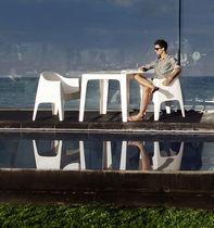 Tavolo moderno / in polipropilene / rettangolare / da giardino
