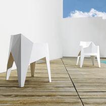 Sedia design originale / impilabile / in policarbonato / in polipropilene