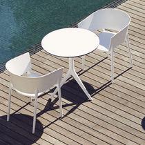Tavolo moderno / in polietilene / rotondo / da giardino