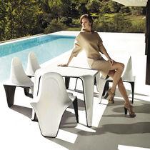 Sedia da giardino design originale / in polietilene / di Fabio Novembre