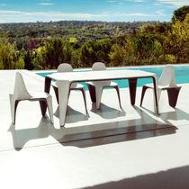 Tavolo da pranzo moderno / in polietilene / rettangolare / da giardino