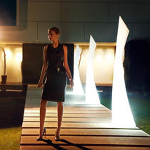 Lampada da terra / moderna / in polietilene / da giardino
