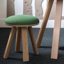 Sgabello moderno / in legno / in tessuto / professionale