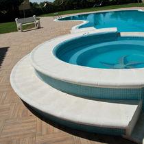 Bordo di piscina in calcestruzzo