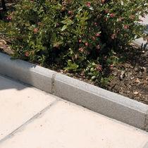 Cordolo da giardino / in calcestruzzo / lineare / orizzontale