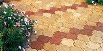Lastricato in calcestruzzo / per pedoni / in materiale riciclato
