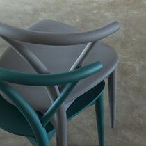 Sedia moderna / in legno / imbottita / impilabile
