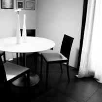 Sedia moderna / imbottita / in legno